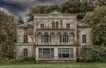 Looking for a Fixer-Upper? Here Are 5 Things to Consider